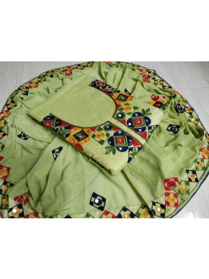 Green Colour Top Chanderi Silk Ariwork With Inner
